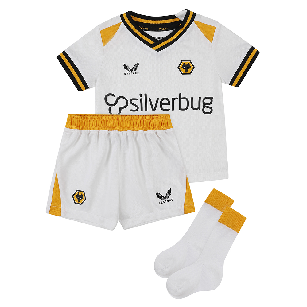 2021-22 Wolves 3rd Baby KitBe Part Of the Pack, with the 2021-22 Wolves Third Baby Kit and show your pride on the street and in the stands.Matte/shine white jacquard knit fabric on body and sleeves with contrast Wolves gold shoulder panels. Contains Shirt, shorts and socks for any little Wolves Fan.Features the signature Castore Logo and Wolves iconic crest on chest.Wolves back neck tapingSliverbug sponsorship logoPress - stud collar fasteningShirt & Shorts: 100% PolyesterSocks: Polyamide 98%, Elastane 2%