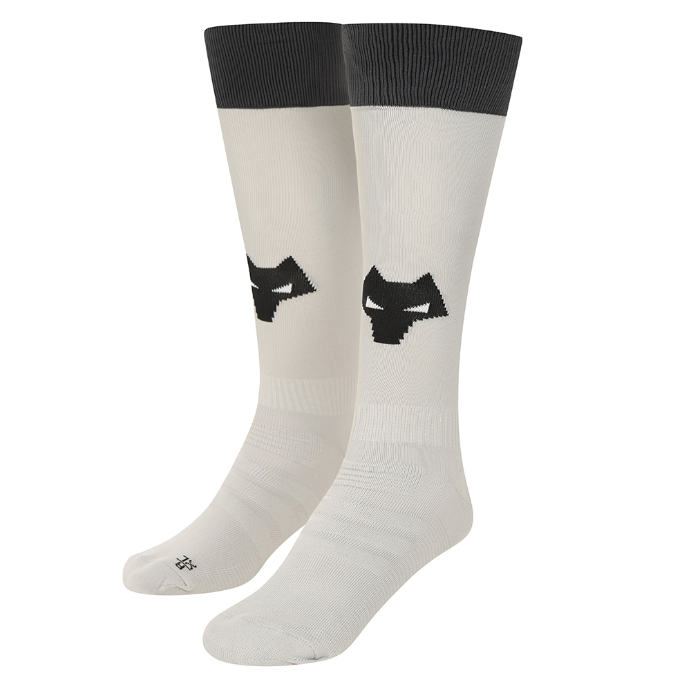 2021-22 Wolves Home Goalkeeper Sock - AdultBe Part Of the Pack, with the 2021-22 Wolves Home Goalkeeper Sock and show your pride on the streets and in the stands.Featuring a Wolves head incorporated into front and centre of the sock, to show prominently on and off field. 100% Polyester