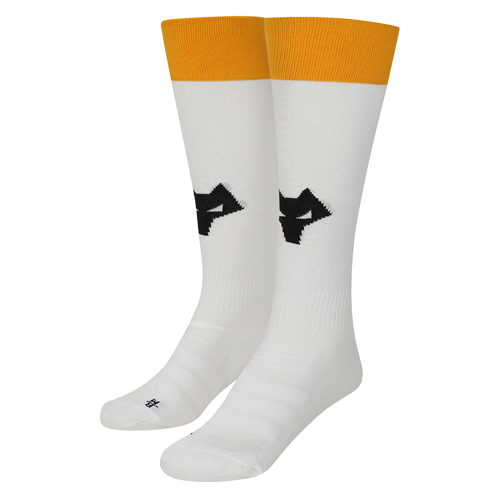 2021-22 Wolves 3rd Sock - AdultBe Part Of the Pack, with the 2021-22 Wolves Third Sock and show your pride on the streets and in the stands.Featuring a Wolves head incorporated into front and centre of the sock, to show prominently on and off field.Polyamide 98%Elastane 2%